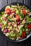 Nourriture saine et délicieuse : salade des thons, haricots de borlotti, image libre de droits