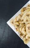 Nourriture saine (frites de banane) Images stock