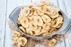 Nourriture saine (frites de banane) Photos libres de droits