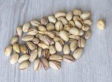 Nourriture saine pour la fin de fond d'image vers le haut des pistaches ?crous de texture sur la moquerie de vue sup?rieure  photo libre de droits