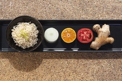 Nourriture saine réglée avec des nouilles Photo libre de droits