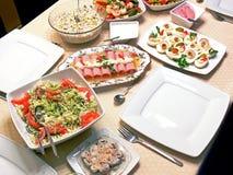 Nourriture sur des détails d'une table image libre de droits