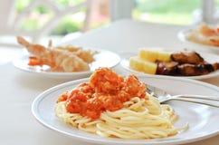 Nourriture sur la table Photographie stock libre de droits