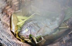 Nourriture thaïe - friture #6 de Stir Tilapia cuit à la vapeur avec le légume Photographie stock libre de droits