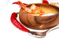 Nourriture thaïlandaise chaude et aigre de soupe et de crevette image libre de droits