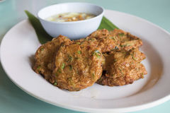 Nourriture thaïlandaise, croquette de poisson épicée Image libre de droits