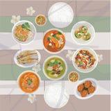 Nourriture thaïlandaise réglée sur la table Photographie stock libre de droits