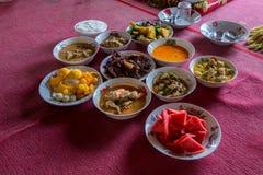 Nourriture tha?landaise du nord de tradition sur une table en bois, ensemble de menu populaire de nourriture tha?landaise images libres de droits