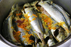 Nourriture traditionnelle ampap du Bornéo - de l'Ikan Basung de masak Photographie stock