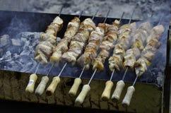 Nourriture traditionnelle de la Chypre : souvlaki Images libres de droits