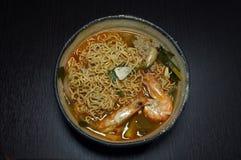 Nourriture traditionnelle thaïlandaise, nouille avec la soupe épicée Photographie stock