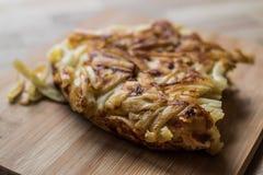 Nourriture turque Makarna Boregi/macaronis Timbale Photographie stock libre de droits