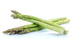 Nourriture verte fraîche de légumes d'asperge d'isolement photos libres de droits