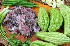 Nourriture vietnamienne, melon amer, viande hachée Photo libre de droits