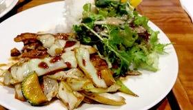 Nourritures délicieux servies en aliments de préparation rapide image stock