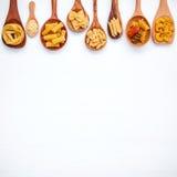 Nourritures italiennes concept et conception de menu Divers genre de pâtes loin Photos stock