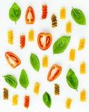 Nourritures italiennes concept et conception de menu Fusilli avec la tomate et le s Images libres de droits