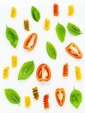 Nourritures italiennes concept et conception de menu Fusilli avec la tomate et le s Photographie stock libre de droits