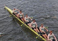 Nous course d'annapolis d'Académie Navale dans la tête du championnat Eights de Charles Regatta Men Image libre de droits