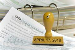 Nous feuille d'impôt individuelle 1040 pendant l'année 2018 Photos stock