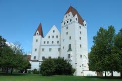 Nouveau bâtiment de château dans le musée d'armement à Ingolstadt en Allemagne Image libre de droits
