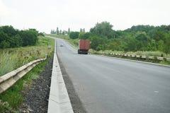 Nouveau drainage d'assiette de la route et de précipitation exceptionnelle Drainage de précipitation exceptionnelle pour le drain photographie stock