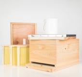 Nouveau kit de ruche de Langstroth de cyprès Photographie stock