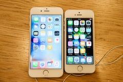 Nouveau lancement de smartphone de Se d'iPhone d'Apple Photo libre de droits