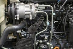 Nouveau moteur tracteur diesel agricole moderne Nouveau moteur de pointe moderne de chargeur ou de petit tracteur Vue supérieure  photographie stock