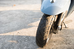 Nouveau pneu de motoycycle en Thaïlande Photographie stock libre de droits