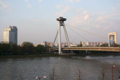 Nouveau pont à Bratislava (Slovaquie) Photographie stock