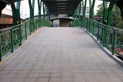 Nouveau pont en passage supérieur images libres de droits