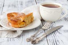 Nouveau tarte moderne de tarte de pêche d'abricot de recette image stock