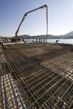 Nouveau terminal de croiseur de Concreting dans le port Image libre de droits