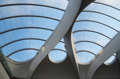 Nouveau toit en verre de station de train de rue, Birmingham Photos stock