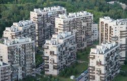 Nouveaux bâtiments dans la banlieue à Vilnius Photos stock