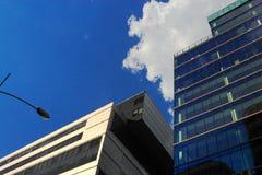 Nouveaux bâtiments dans le secteur du centre photographie stock