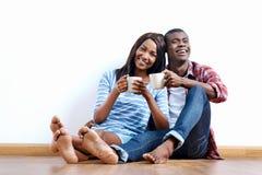 Nouveaux couples d'appartement Photo stock