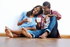 Nouveaux couples d'appartement Image libre de droits