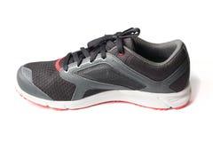 Nouveaux noir et rouge sans marque de couleur de chaussure de course Images libres de droits