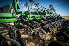 Nouveaux tracteurs de machines agricoles et équipement de labourage Photos libres de droits