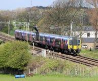 Nouveaux train à unités multiples électrique de la classe 350 de livrée Image libre de droits