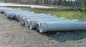 Nouveaux tuyaux concrets de drainage Image libre de droits