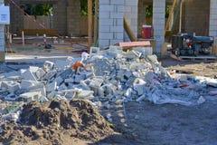 Nouvel en construction à la maison image stock