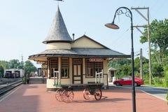NOUVEL ESPOIR, PA - 11 AOÛT : La nouvelle voie ferrée d'espoir et d'Ivyland est une ligne de train d'héritage pour des visiteurs  image stock