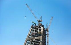 Nouvel hôtel moderne de bâtiment d'horizon dans Doha en construction photos stock