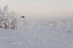 Nouvel Urengoy, YaNAO, au nord de la Russie Avia d'hélicoptère UTair et de Konvers dans l'aéroport local au service Éditez 6 janv Photographie stock