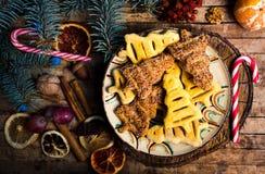 Nouvelle année et festins et bonbons de Noël WI de gaufres et de biscuits photographie stock libre de droits