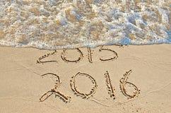 Nouvelle année 2016 sur le bord de la mer Photos stock