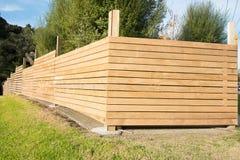 Nouvelle barrière de bois de construction Images stock
